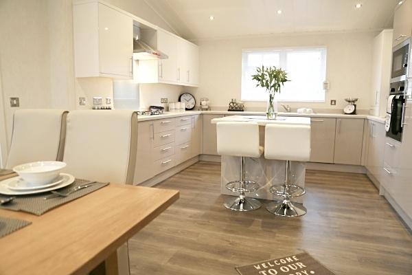 21 Kitchen.1-541600-edited